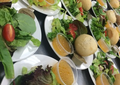 Plated Salad w Dinner Roll