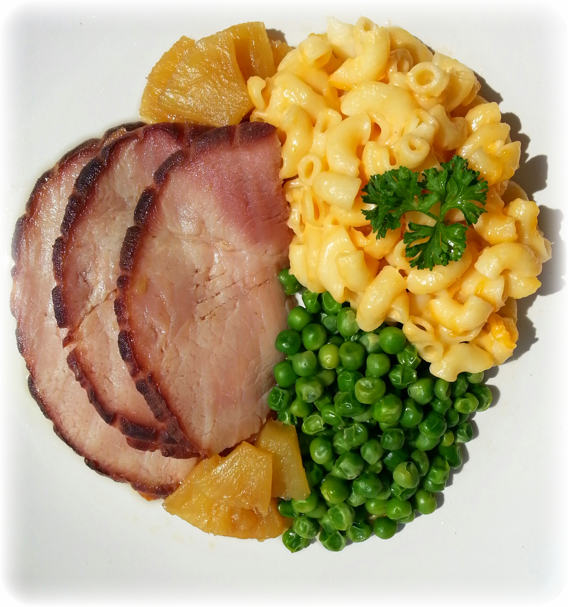 Baked Ham with Mac n Cheese